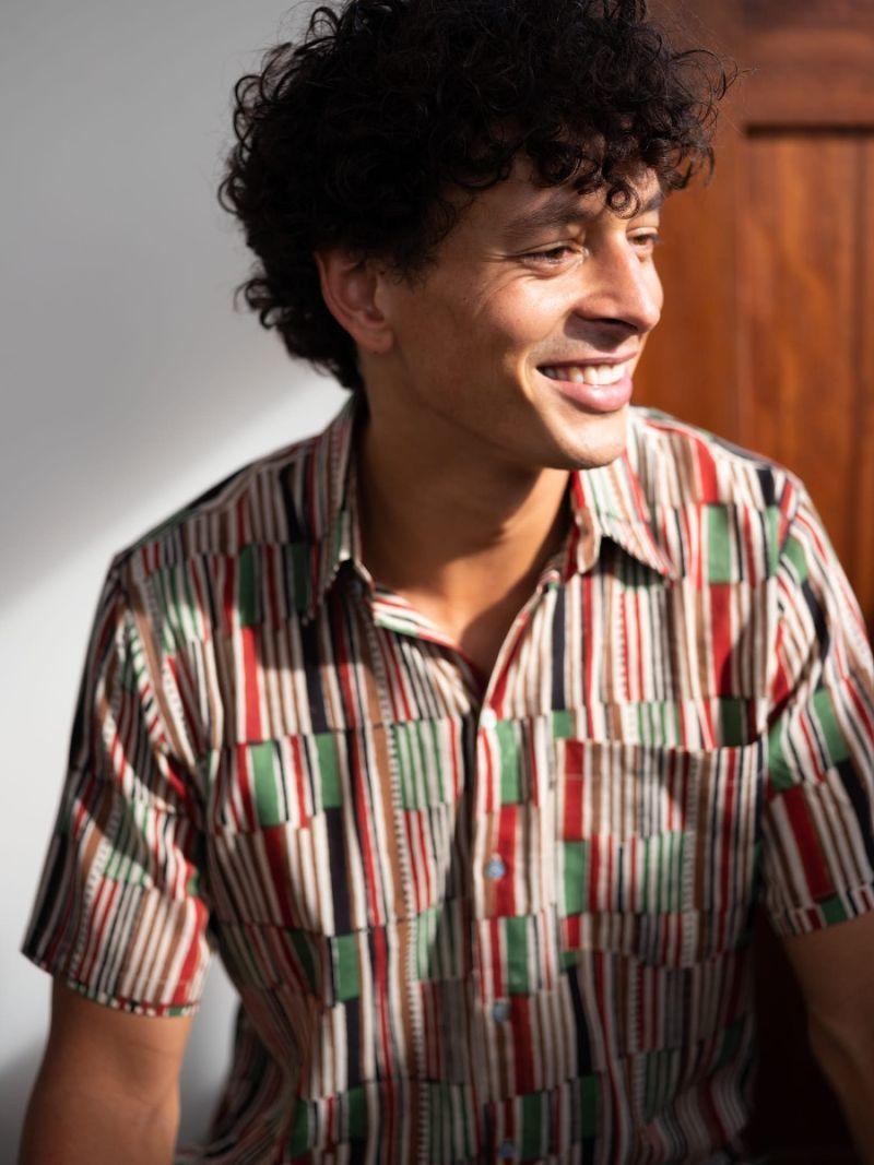 Heren blouse korte mouw met African stripe print gemaakt van katoen – Zomer Collectie